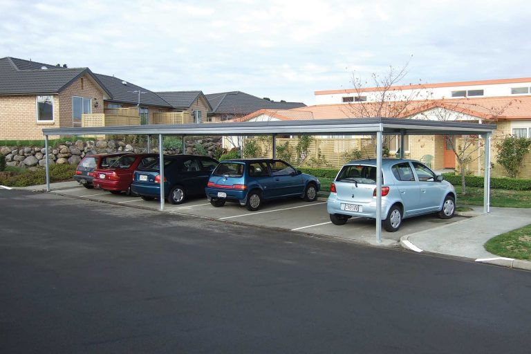 Multi-bay-car-shelter